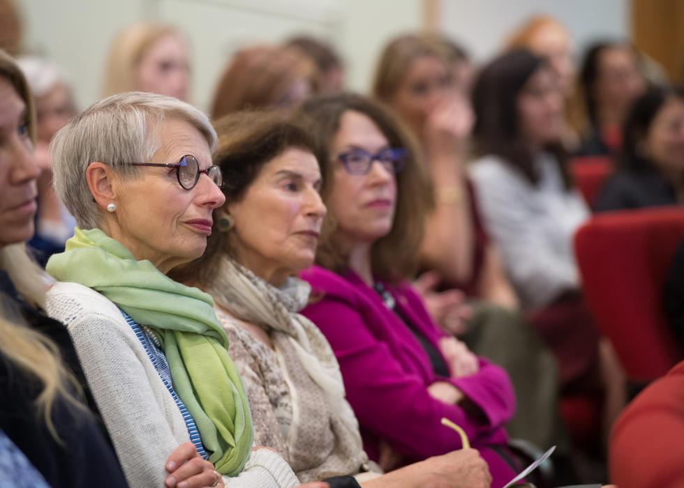 Women & Science_crowd